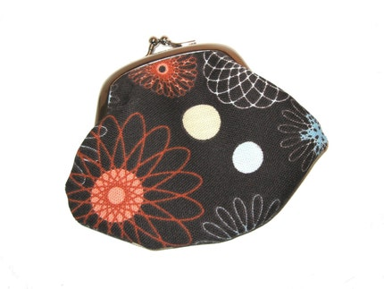 Spirograph - Change / Coin Purse with metal kiss clasp