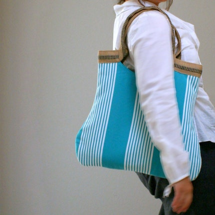 basic tote in acqua stripes