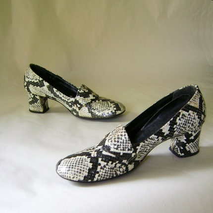 AWESOME Vintage 60s Faux PYTHON Shoes Sz 7