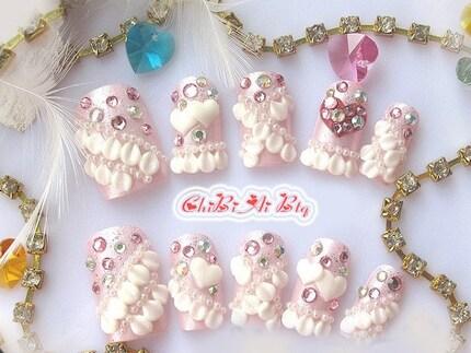 Lacey Heart japanska lösnaglar uppsättning av 10 (P00175)
