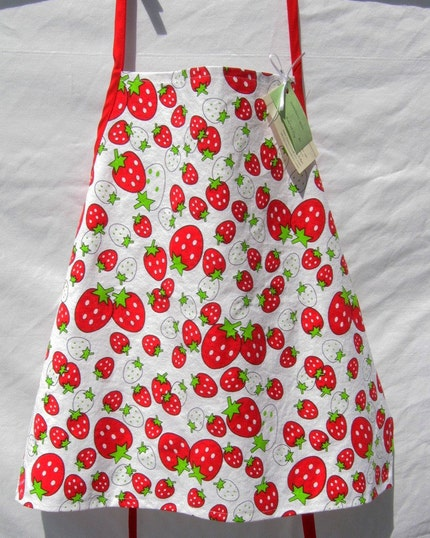 Sweet Strawberry Apron  FREE SHIPPING