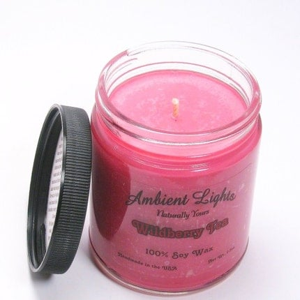 Wildberry Tea, Handmade Soy Candle (FLAT RATE SHIPPING in the USA)