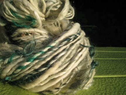 WHITE PICKET FENCE  art yarn   72 yds   4.2 oz