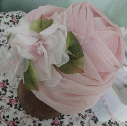 CHRISTIAN DIOR VINTAGE DESIGNER HAT - PINK TURBAN CLOCHE MILLINERY FLOWERS ROSES - MINT