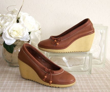 Toffee Vintage Wedge Heels by tialeyvintage on Etsy