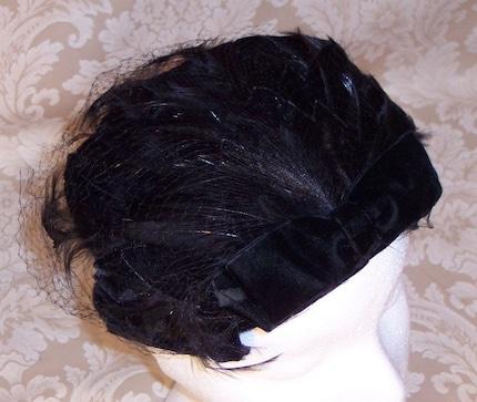 FEMME FATALE NOIR-VEILED VINTAGE VELVET FEATHER COCKTAIL HAT