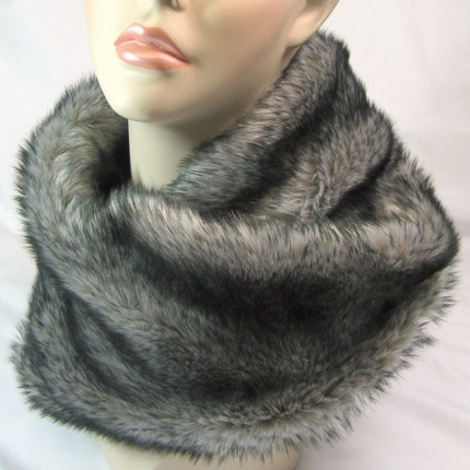 Luxuriously Soft Faux Fur Tube Scarf