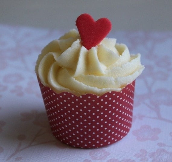 24 EDIBLE FONDANT SUGAR MINI HEART CAKE TOPPERS YOUR CHOICE OF COLOURS
