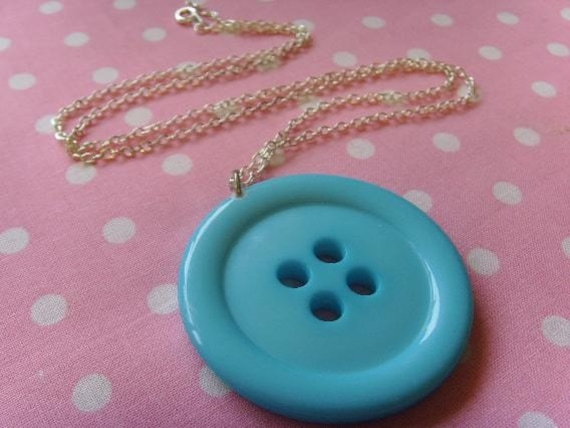 Kitsch Giant Button Necklace