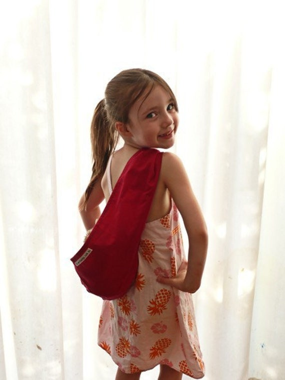 CRANBERRY CHILD'S POUCH SLING for Dolls or Teddies suitable for children from 1-8yo