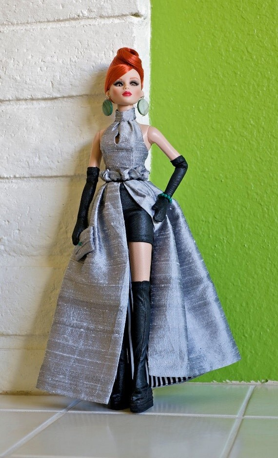 Mod evening outfit in grey silk for 16 inch Tyler Wentworth doll