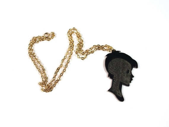 Xray Cameo - Etched skull silhouette necklace (boy)