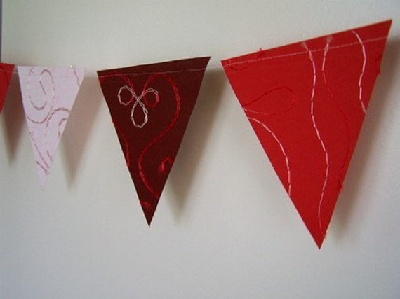 Red Triangle Banner/Garland