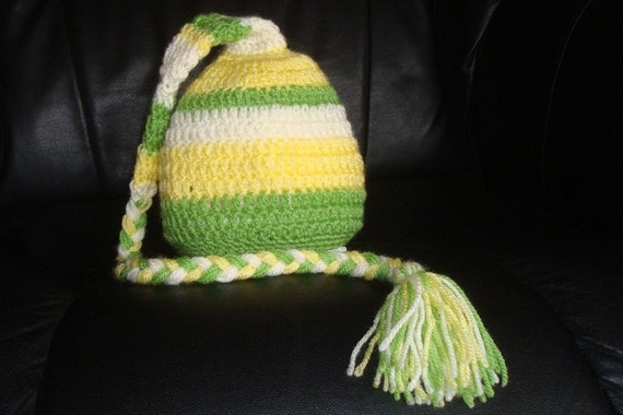 Cute sriped Elf hat. 0-12 month.Great for a newborn photo prop or for a gift. Item 033 Happy Easter