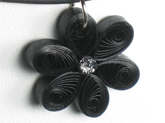 Tính giản dị BLACK