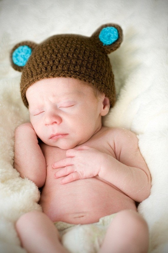 Sweet Teddy Bear hat with funny ears. 0-12 month. Perfect for a gift or for a photo prop. Item 006 boy