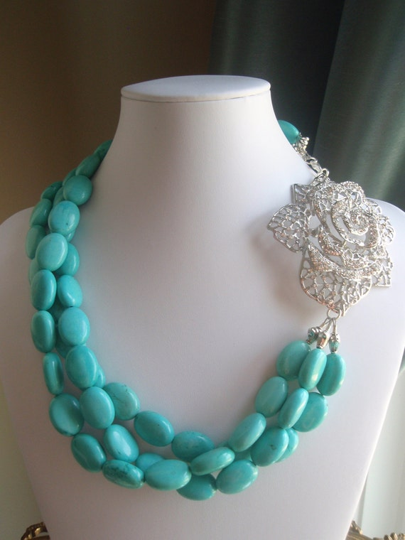 NECKLACE - Turquoise Crystal Flower Pendant Necklace