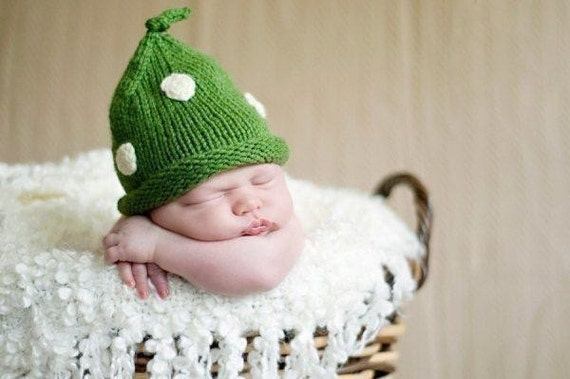 St Patricks Irish Baby Hat Newborn Infant Emerald Green Pixie POLKA DOT Hand Knit Hat Photo Prop