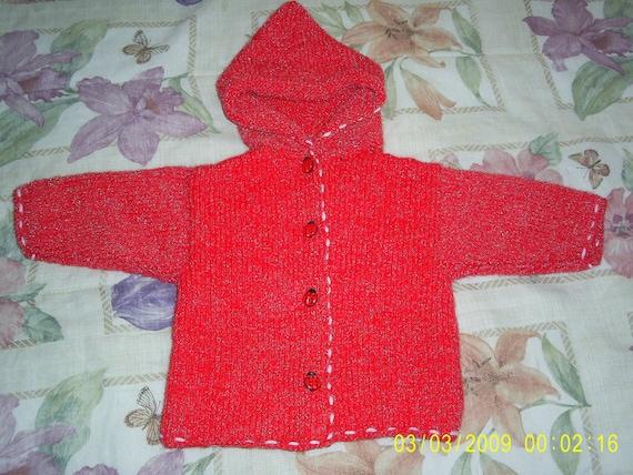 سرخ ژاکت باشلق دار.