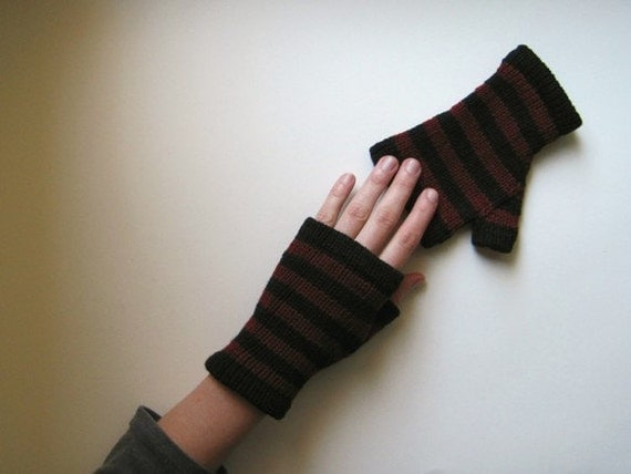 LINEN Black and Crimson  Fingerless Gloves