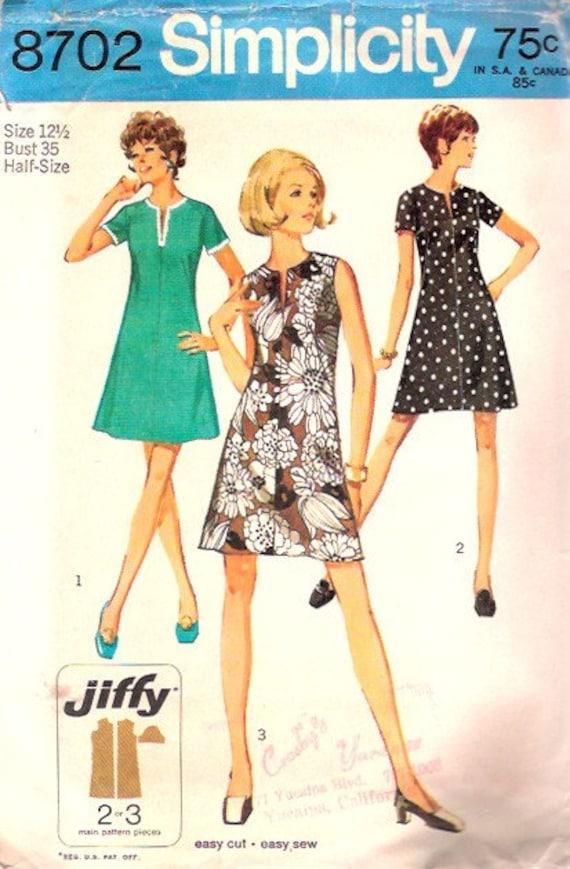 Vintage 1970 Classic A Line Mod Mini Dress Petite 35 bust size 12 1/2 Simplicity 8702