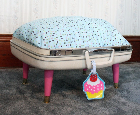 SnuggyLuggage Suitcase Pet Bed Vintage Upcycled Cat Dog Pink