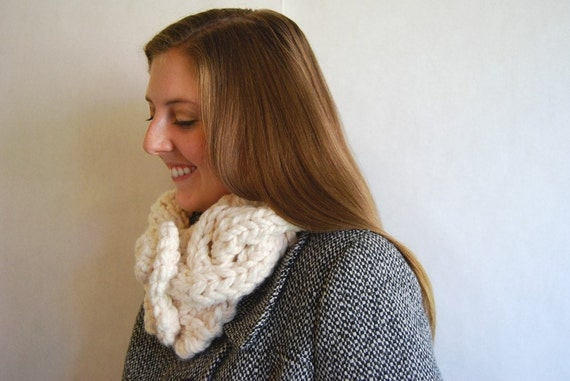 Chunky Cable Cowl - Cream