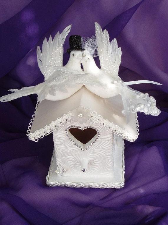 BIRDHOUSE, BIRDS, DOVES EMBRACING Wedding Cake Topper
