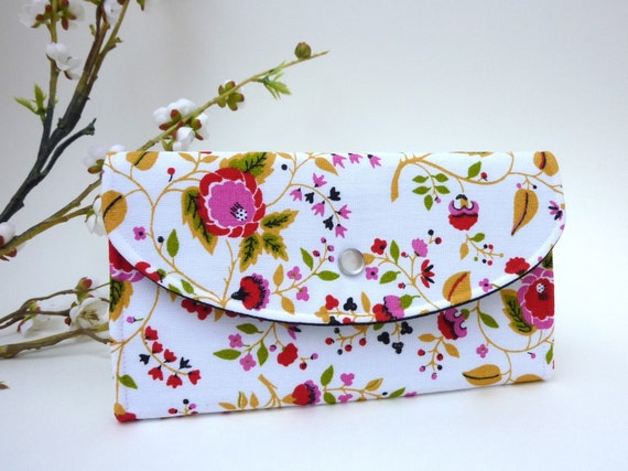 Clutch-Style Wallet in White Floral Print