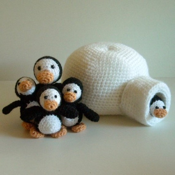 PDF Crochet Pattern - Penguin Family.  Availble in English or Swedish