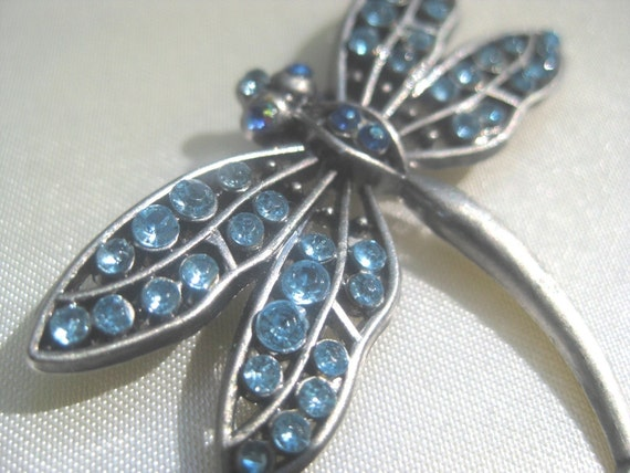 Vintage Dragonfly Vintage Brooch with Aquamarine colored cystals and Pewter colored body