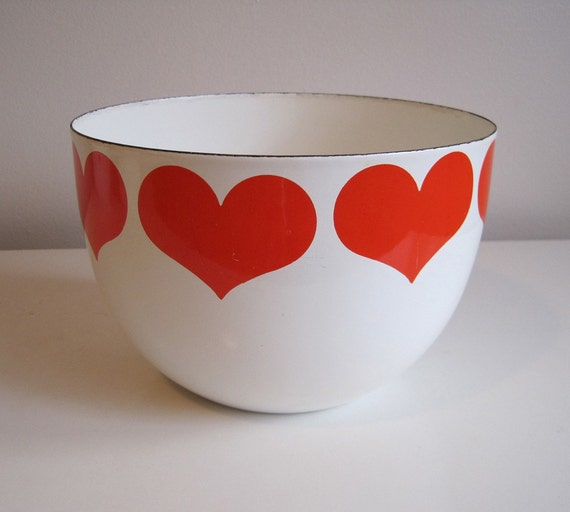 Kaj Franck large HEART BOWL enamel on steel