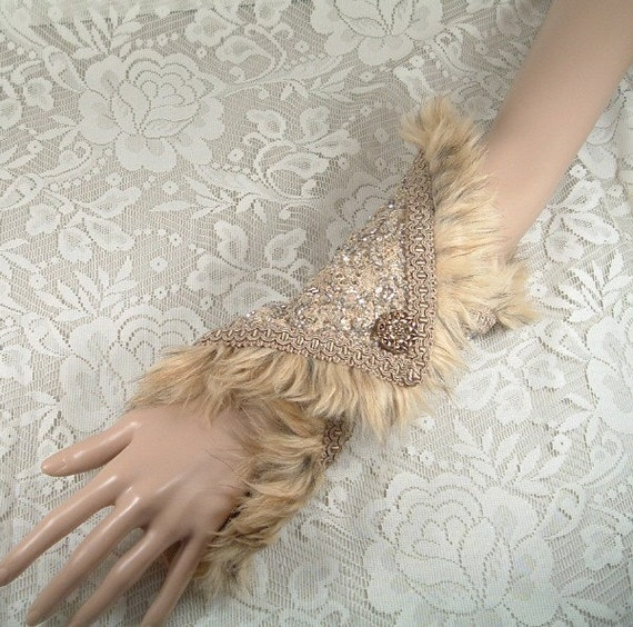 ON SALE - 1940s Hollywood Glamour Arm-Length Cuff