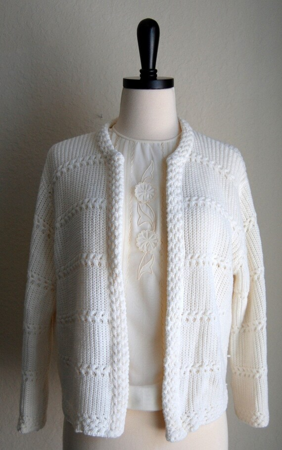 SNOW WHITE WINTER READY VINTAGE cardigan sweater jacket