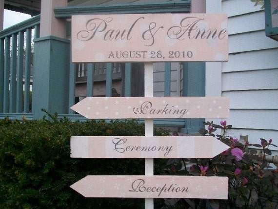 Custom Wedding Sign PERSONALIZED Bride and Grooms Names and Arrows 4pc set with FREE Stake