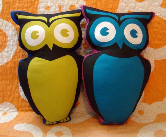 Organic Decorative Owl Pillow Friend -blue green- perfect for nursery