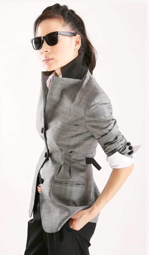 3 buttons, grey plaid jacket with open pleat