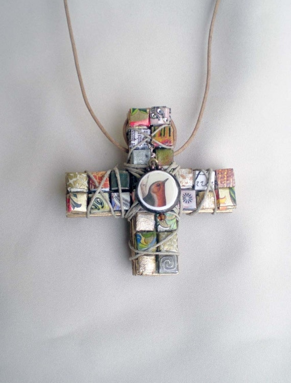WINGS OF LOVE Necklace Religious Icon Cross Crucifix