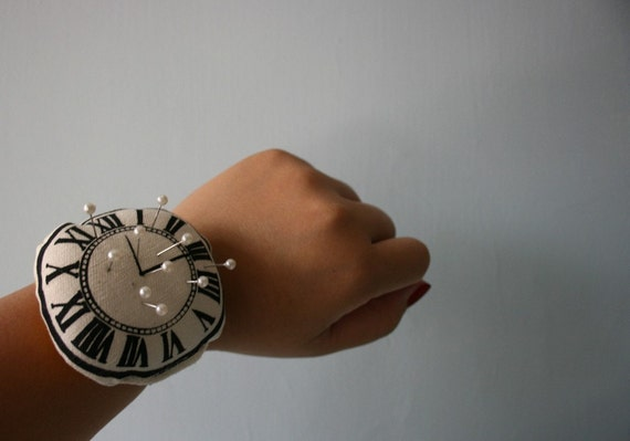 screen printed watch pin cushion - adjustable