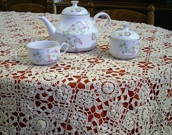 Tablecloth - Linen Fabric, cotton fabric, crochet, battenburg