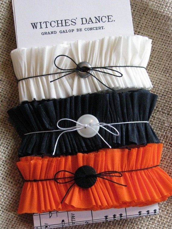 ICING ON THE CAKE handmade crepe paper ruffles halloween pack