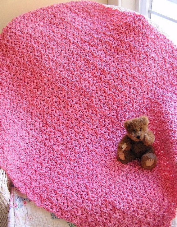 baby / toddler / blanket / afghan / lap robe / lion brand homespun yarn / cotton candy pink / girl / ultra soft / crochet / handmade