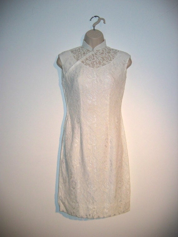 Vintage 1950's Chinese style Dress.  White lace.  Pin up Glamour. Small size