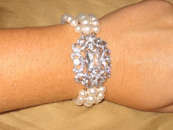 Ruthie Brooch Bracelet