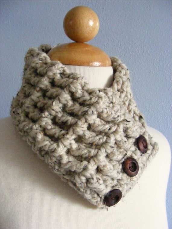 Womens Textured Scarflette, Cowl, Neckwarmer - Oatmeal with Dark Brown Wood Buttons
