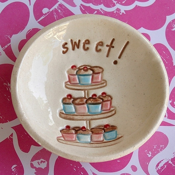 Cupcake Dish - For Cupcake Lovers Only