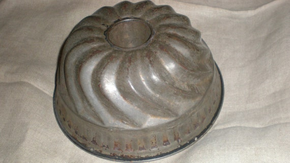 Primitive Bundt Or Angel Cake Type Pan Or Food Mold