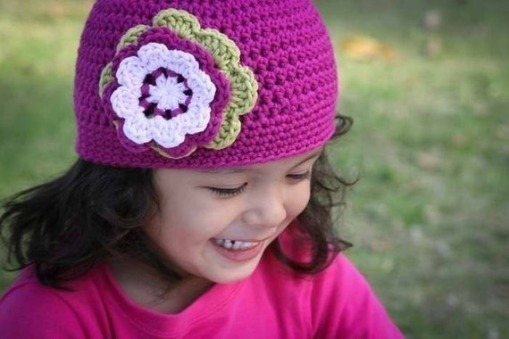 Caciulite crosetate pentru fetite - Poze, modele, personale sau gasite