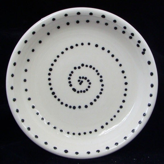 Black Dot Spiral Plate