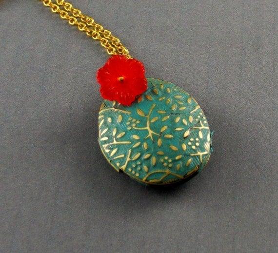 Free Shipping Patina Botanical Locket Necklace